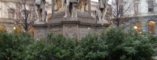 Piazza della Scala is one of arte e spettacolo a milano.