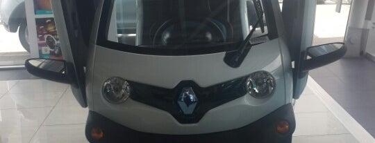 Kutay Renault is one of Lieux qui ont plu à Bulent.