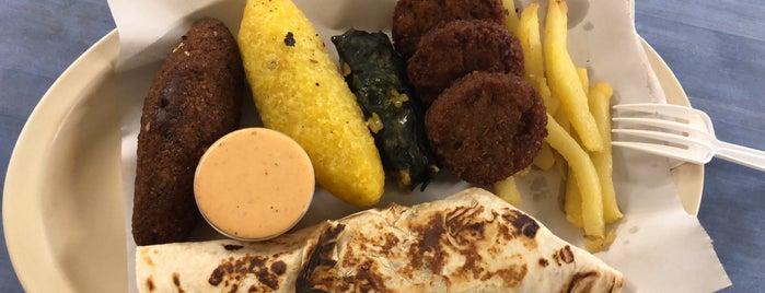 Comida Arabe (shawarmas) is one of Comida ARABE.
