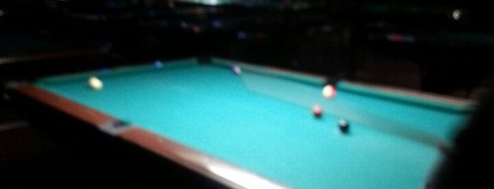Charles Billiards Sports Bar is one of Lugares favoritos de Nicholas.
