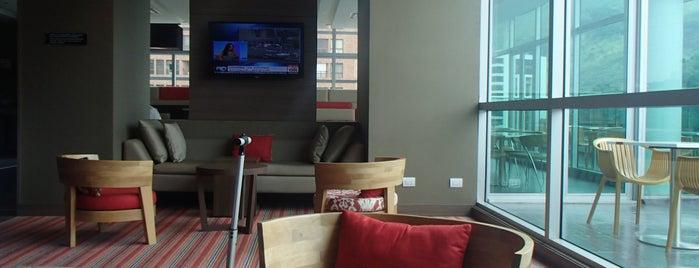 Hotel Hampton by Hilton Cali is one of Lugares favoritos de Jose.