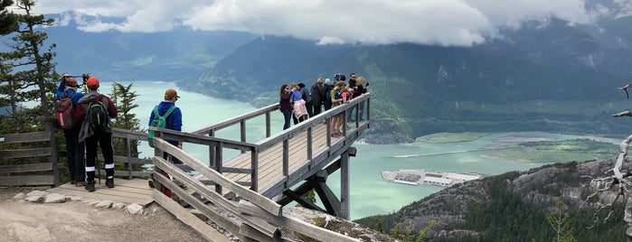 the Chief Viewing Platform - Panorama Trail is one of Orte, die Adriane gefallen.