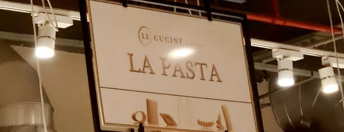 La Pasta is one of Locais salvos de Sandra.