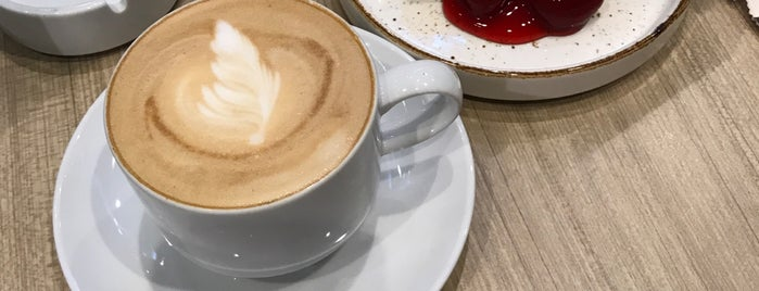 The Coffee Club is one of Tempat yang Disukai Afil.