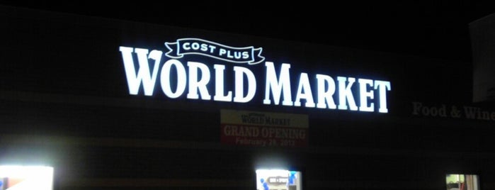 Cost Plus World Market is one of Andreaさんのお気に入りスポット.