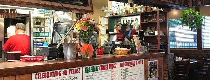 Rocco's Italian Restaurant is one of Posti che sono piaciuti a Greg.