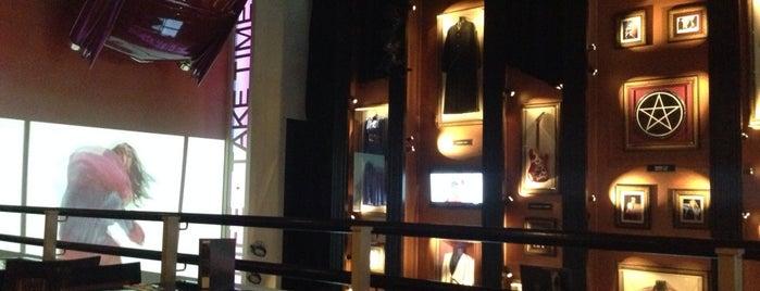 Hard Rock Cafe Lisboa Store is one of Orte, die Ana gefallen.