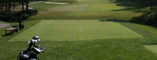 Montclair Golf Club is one of สถานที่ที่ Brandon ถูกใจ.