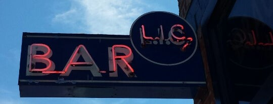 LIC Bar is one of nyc - outdoor wine/dine.