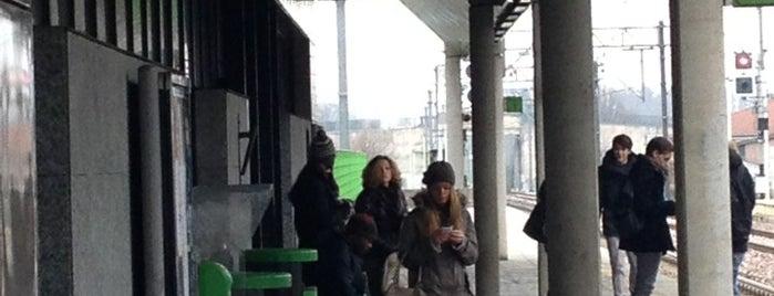 Stazione Rescaldina is one of Alejandro 님이 좋아한 장소.