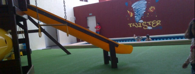Twister Club is one of Orte, die Rocio Alvarez Arias gefallen.