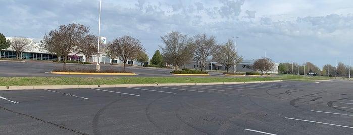 South YMCA is one of Lugares favoritos de Nick.