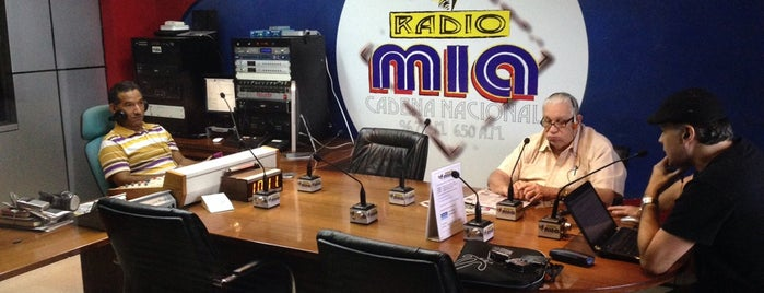 Radio Mía is one of Locais curtidos por Carlos.