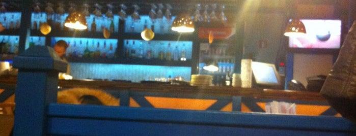Bar on the Beach is one of Orte, die Yunus gefallen.