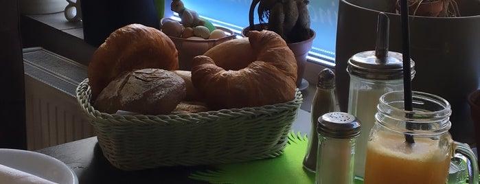 Café Bäckerei Bonjour is one of Orte, die Franz gefallen.