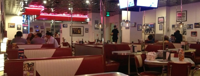 Starlite Diner is one of Done – Moscow (Inner).
