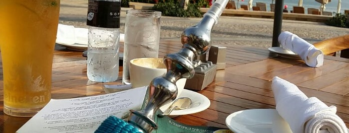 Maui Beach Bar at Sofitel Dubai The Palm Resort & Spa is one of Ridvan 님이 좋아한 장소.