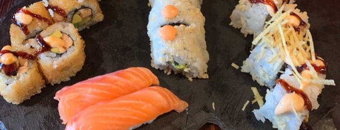 Sushi Lab is one of Locais curtidos por Tuba.
