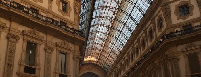 Galleria Vittorio Emanuele II is one of Kyriaki 님이 좋아한 장소.