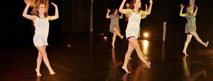 Mazi Dance Fitness is one of Lugares favoritos de Katie.