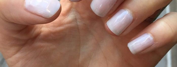 Crystal Nails is one of Lauren : понравившиеся места.