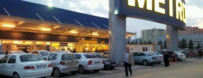 Metro Toptancı Market is one of Tempat yang Disukai Hilal.