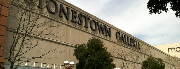 Stonestown Galleria is one of Lugares favoritos de Emily.