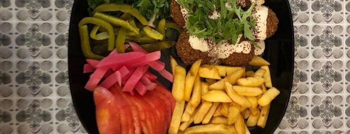 Mazaya Falafel is one of สถานที่ที่บันทึกไว้ของ Galina.