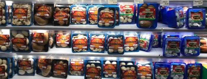 Supermercado Riba Smith is one of Panamá.