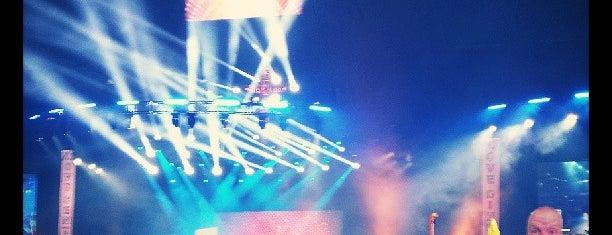 アラモドーム is one of Dezzys Stops on DCI Tour.