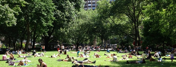 Madison Square Park is one of Tempat yang Disukai Melissa.