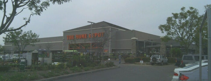 The Home Depot is one of Lieux qui ont plu à Todd.