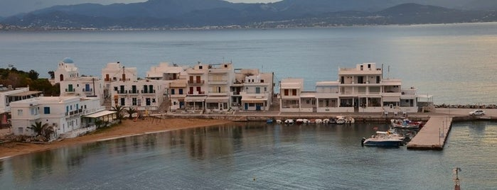 Piso Livadi Port is one of Tempat yang Disukai Aylin.