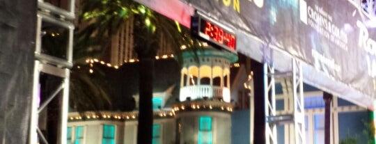 2013 Rock 'n' Roll Las Vegas Half Marathon Finish Line is one of Posti che sono piaciuti a Vasily S..