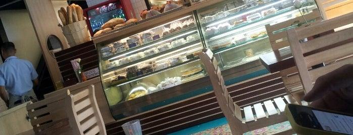 Eduardo Madrid - Tienda Gourmet De Panes is one of Muy recomendados.