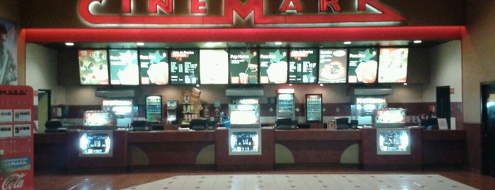 Cinemark is one of Luis 님이 좋아한 장소.