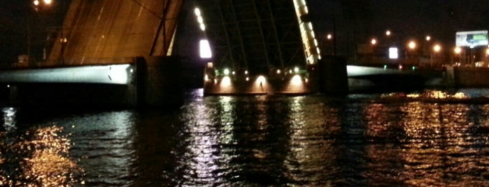 Tuchkov Bridge is one of Locais curtidos por Igor.