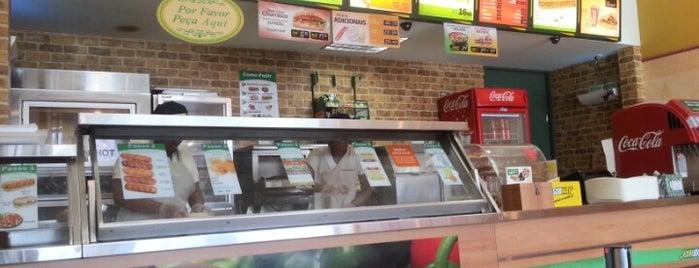 Subway is one of Locais curtidos por Josenildo.