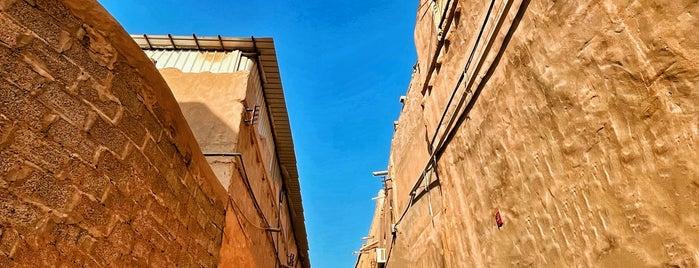 Al Thomairi Old Market is one of Posti salvati di Queen.