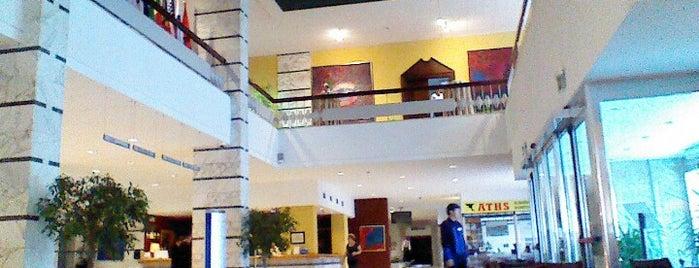 Tirana International Hotel & Conference Centre is one of Lieux qui ont plu à Kedrik.