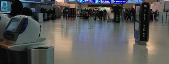 ランバート・セントルイス国際空港 (STL) is one of Airports.