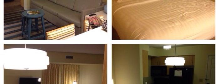 Sonesta ES Suites is one of สถานที่ที่ Megan ถูกใจ.