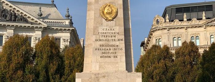 Szovjet Hősi Emlékmű is one of Budapest.