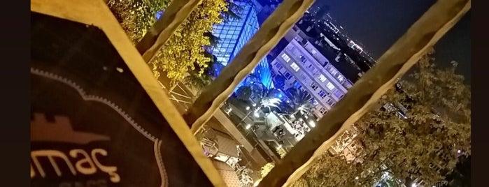 Tophane Yamaç Kafe is one of Ülkü'nun Beğendiği Mekanlar.