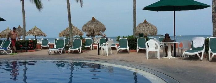 Royal Decameron Golf, Beach Resort & Villas is one of Locais curtidos por Lulu.