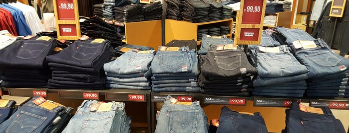 Levi's Store is one of Istanbul |Shopping|.