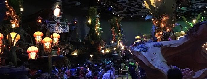 Mermaid Lagoon Theater is one of Orte, die キヨ gefallen.