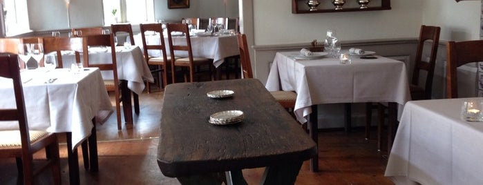 Restaurant Under Lindetræet is one of White Guide Nordic 2015: Very High Class.