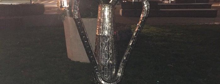Nari Ward Sculpture is one of Lugares favoritos de G.