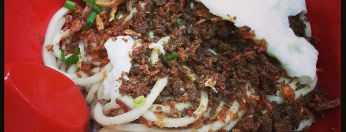 Restoran Kin Kin (建记辣椒板面 Chilli Pan Mee) is one of Locais salvos de Eric.